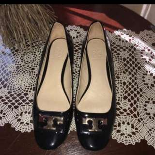 Torry Burch Gigi Pump Size 40