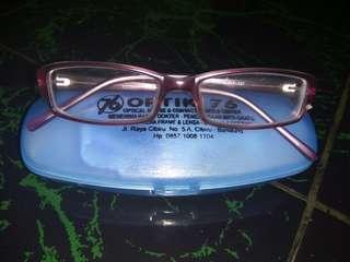 frame kaca mata msh bagus..warna ungu..