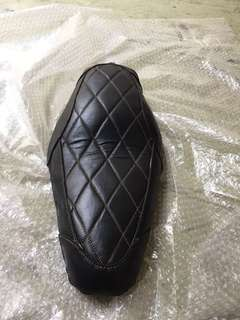Customised leather solo seat for Harley Davidson sporster 883