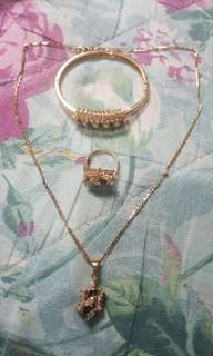 One set fashion jewelries