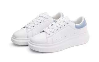 🚚 隱形增高透氣小白鞋