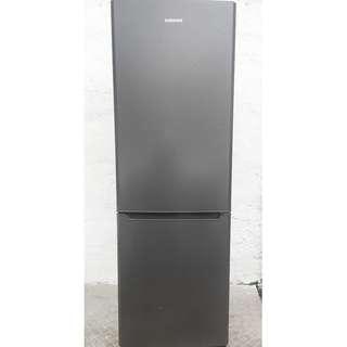 samsung fridge (free delivery)