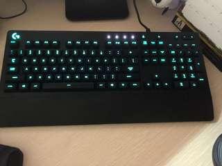 Logitech Keyboard 2 pcs