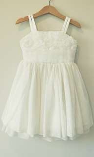 Free post - $27 ( A cream dress for 3-4 YO girl