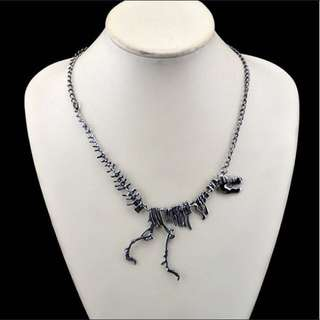 Gothic jurassic world skeletal  chain necklace