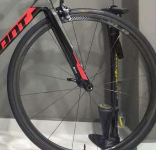 Brand New: Giant SLR 01 30mm tubeless wheelset