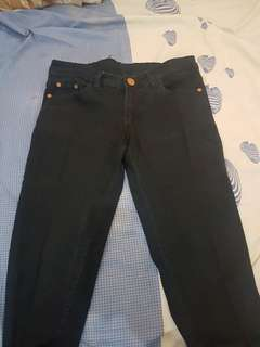 Jeans hitam / celana jeans / hot pant