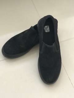 Bench suede black shoes
