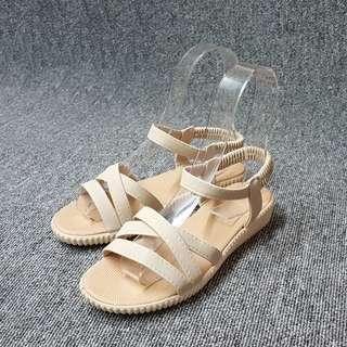 🚚 夏日俏麗交叉坡度羅馬涼鞋(米黑兩色)