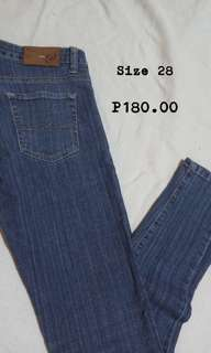 Straight cut jeans (Size 28)
