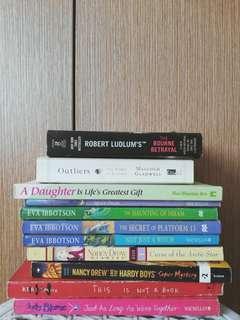 ✨ FLASH SALE ✨ Books 4 Less