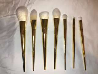 7 PIECE GOLD BRUSH SET
