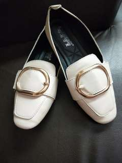 🚚 裸粉色氣質平底鞋