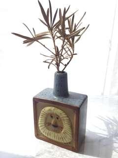 Mini Vintage Lion Vase