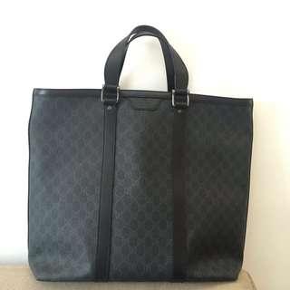 Gucci 超大手挽袋,購自巴黎