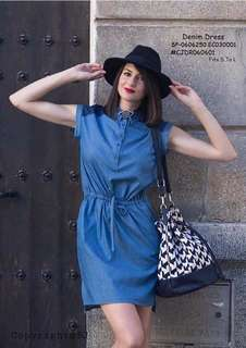 DENIM DRESS 🎀classy collar denim dress🎀  ❤openable buttons ✔single color available 🖋strechable waist 🎀soft denim fabric  Price : 390
