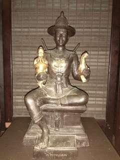 Khun Phaen Statue