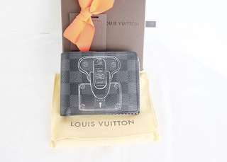 Authentic preloved like new louis vuitton wallet