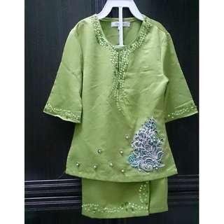Baju Kurung Raya - preloved