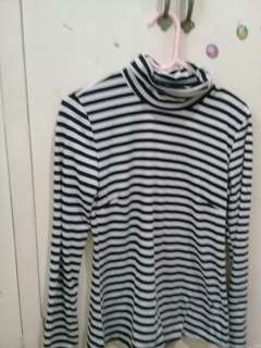 Stripes Long sleeves turtle neck