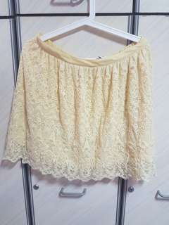 H&m yellow lace skirt- eur42