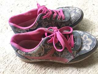 Floral rubber shoes