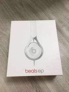 Beats Ep On-ear headphones with carrying pouch