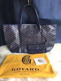 Goyard size L