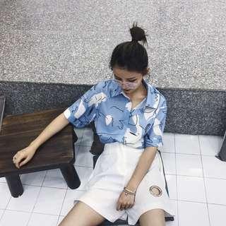 🍒寬鬆塗鴉印花短袖襯衫 港味單排扣 淺藍色 春夏款獨特 個性 韓版 搭配熱褲