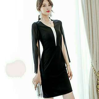 *FREE DELIVERY to WM only / Ready stock* Ladies mini bubble sleeves dress each as shown in design/color. Free delivery is applied for this item.