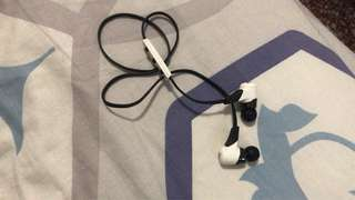 used jaybird wireless earphone
