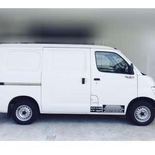 Daihatsu GRANMAX van
