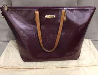 Preloved Louis Vuitton Bellevue Vernis GM Bag.