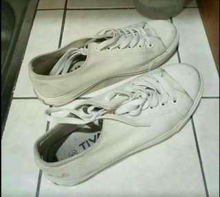 Fila casual shoes