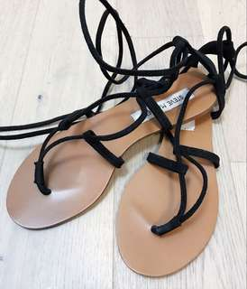 SPECIAL! 2 pairs of Steve Madden Flat Summer Sandals for 15$!!!!