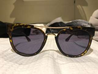 Quay sunglasses - MOVING SALE SEE OTHER LISTINGS