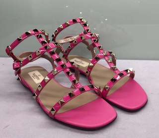 Valentino Sandals 鉚釘桃紅色平底涼鞋 Size:35.5, 36.5,37.5 Real and New