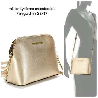 mk cindy dome mess pale gold sz 22x17