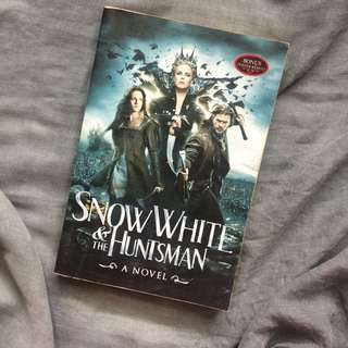 Novel Snow White and The Huntsman