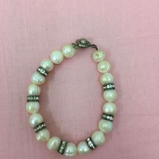 Bracelet White Pearl