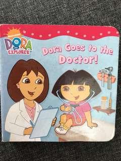 Dora mini board book - Dora goes to the doctor