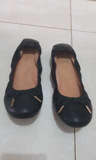 Sepatu huspuppies