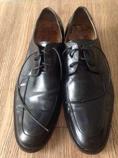 Preloved  black leather formal shoes