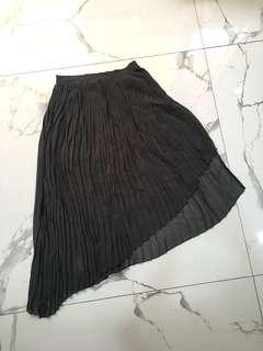 Zara- pleats skirt