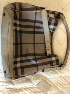 BURBERRY leather bucket 全皮水桶袋
