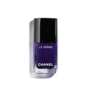 Chanel Le Vernis Nail Colour in 622 Violet Piquant