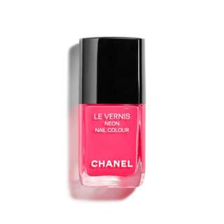 Chanel Le Vernis Nail Colour in Rose Neon