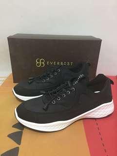 Sepatu Pria Everbest Sneakers