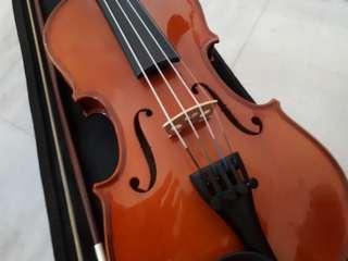 Synwin 1/2 size Violin