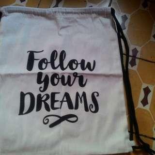 String Bag canvas Statement